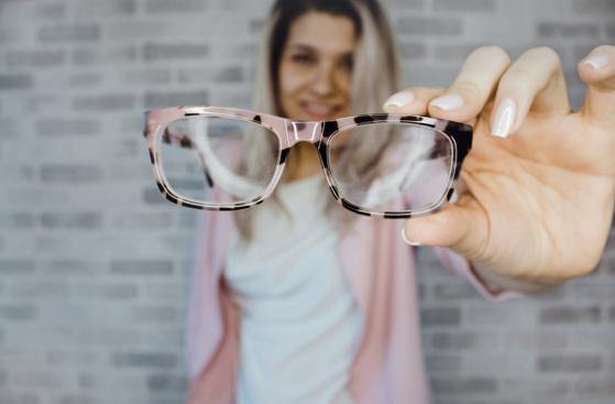 聊城华厦眼科医院:近视长期戴框架眼镜有什么危害